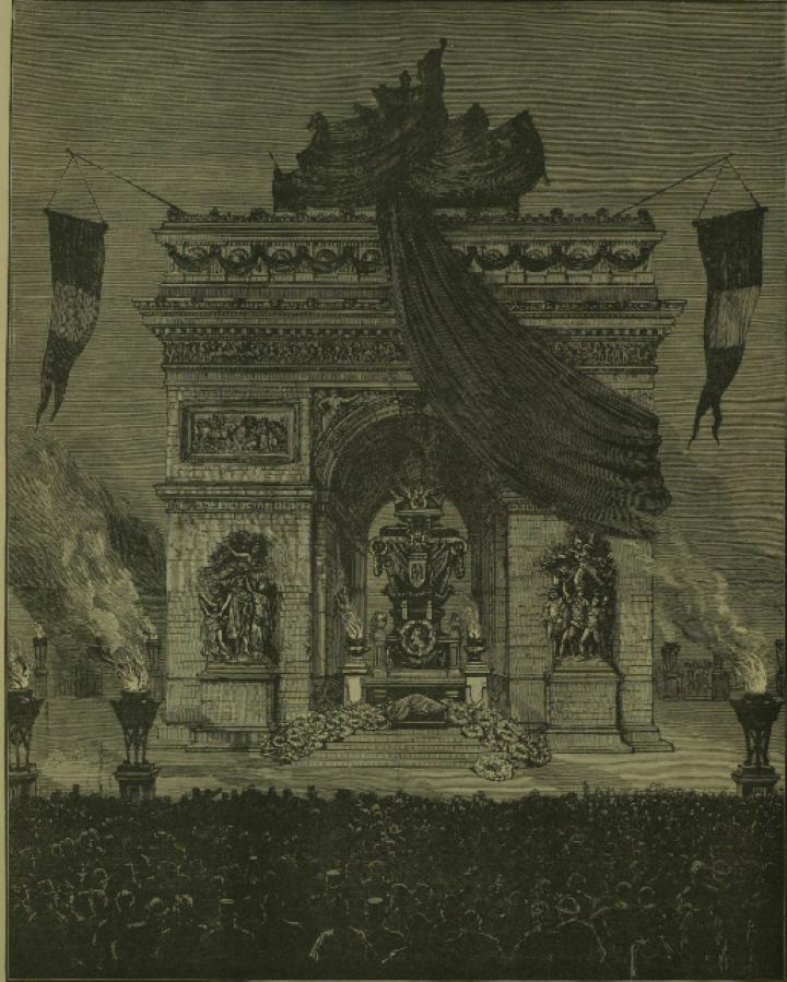 凱旋門に置かれたユゴーの棺