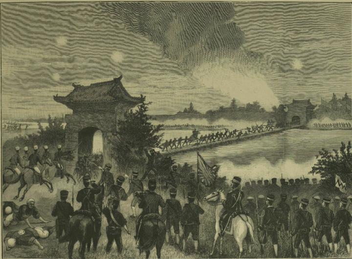 平壌の大同江の橋の門に入る日本軍
